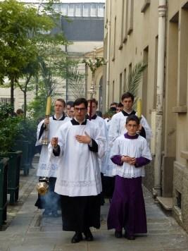 Rameaux 2014 - 12 - procession dans la rue Sainte-Cécile