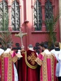 Rameaux 2014 - 18 - dialogue de l'ouverture des portes de l'église