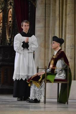05 - Messe de départ célébrée par M. l'Abbé Iborra dans Notre-Dame-de-Paris - vigile de la Pentecôte - à la banquette