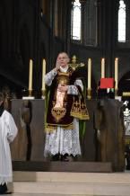 13 - Messe de départ célébrée par M. l'Abbé Iborra dans Notre-Dame-de-Paris - vigile de la Pentecôte - bénédiction finale