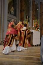 33 - Messe pontificale du lundi de Pentecôte célébrée par Mgr Aillet dans la cathédrale de Chartres