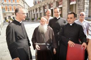 07 - Le clergé avec un RP capucin qui fut le confesseur du Cardinal Siri