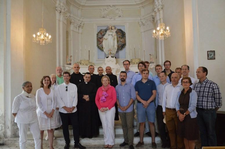 12 - Au sanctuaire de Notre-Dame des Neiges, après un petit concert de remerciement aux Bénédictins de l'Immaculée