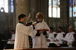 04 - messe du samedi des Quatre-Temps de septembre en la collégiale Notre-Dame de Mantes - le lecteur