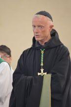 06 - Messe en la collégiale Saint-Martin de Bollène - le RP Abbé du Barroux