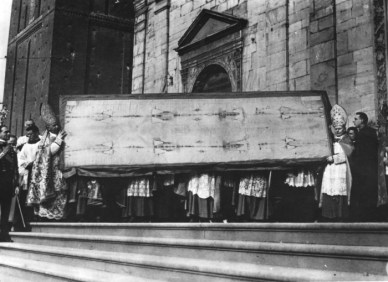 Ostension ancienne du saint Suaire 03