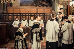 Requiem pour Louis XVI en 2014 - imposition de l'encens