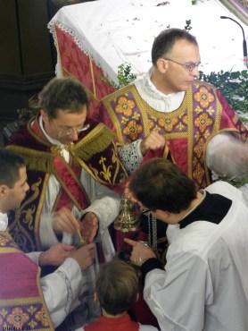 Rameaux 2015 - 05 - imposition de l'encens avant l'évangile des Rameaux