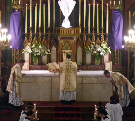 15 - Jeudi Saint 2015 - Confiteor avant la communion