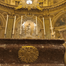 10 Messe de la saint Yves en la chapelle des Spiritains - l'autel