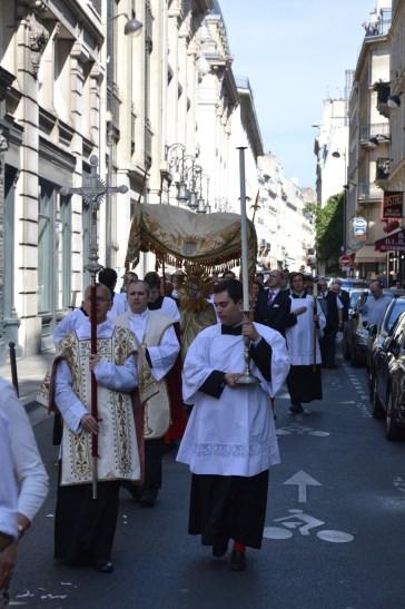 18-Procession de la Fête-Dieu
