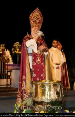 06-Consécration du saint myron par Aram Ier