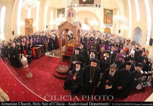 23-Sainte messe dans la cathédrale Saint-Grégoire-l'Illuminateur (1940), siège du Catholicossat arménien de Cilicie à Antélias