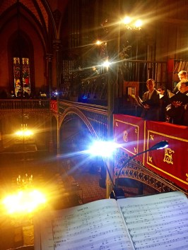 25 - La Schola Sainte Cécile répartie dans 4 tribunes pour la Messe à 4 choeurs de Marc-Antoine Charpentier - répétition pour la Sainte Cécile 2015