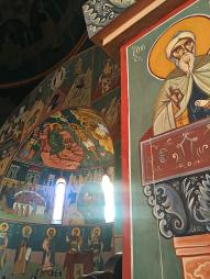 Chevetogne - le chœur de droite, avec la magnifique fresque du baptême du Seigneur