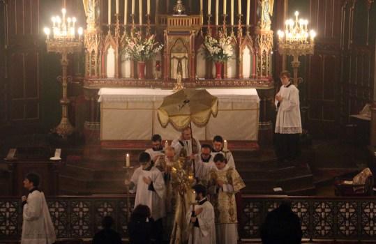 07-Messe d'exposition des Quarante-Heures - procession du Saint Sacrement