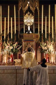 15-Messe de reposition des Quarante-Heures coram Sanctissomo - élévation du Corps du Seigneur