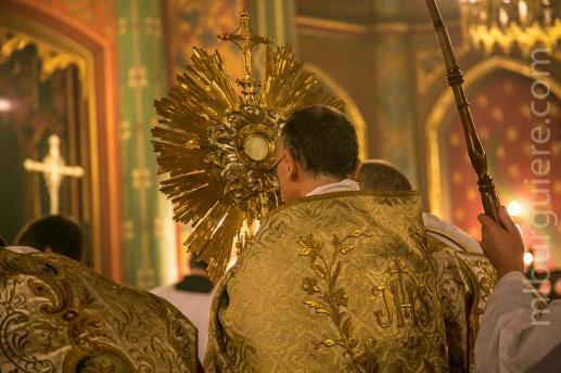 15-Messe d'exposition des Quarante-Heures - procession du Saint Sacrement
