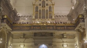 La Schola Sainte Cécile chante la messe à 4 chœurs de Marc-Antoine Charpentier.