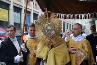 Procession du Très-Sacrement