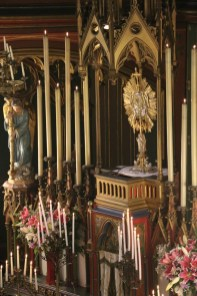 Vêpres de la Fête-Dieu devant le Très-Saint Sacrement exposé