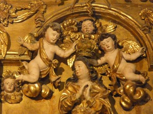 Détail du couronnement de la Vierge.