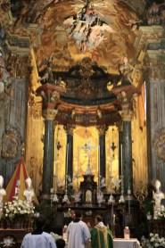 Pèlerinage à Varallo : sainte messe dans la basilique terminale.