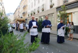 Fête-Dieu 2019 : la procession dans les rues de Paris