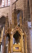 Basilique de Saint-Denis : reliquaire des saints Denys, Rustique et Eleuthère