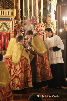 Secondes vêpres de la solennité de sainte Cécile - aux encensements du Magnificat.