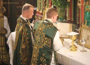 Première messe de M. l'Abbé Guillaume, fssp : à l'offertoire