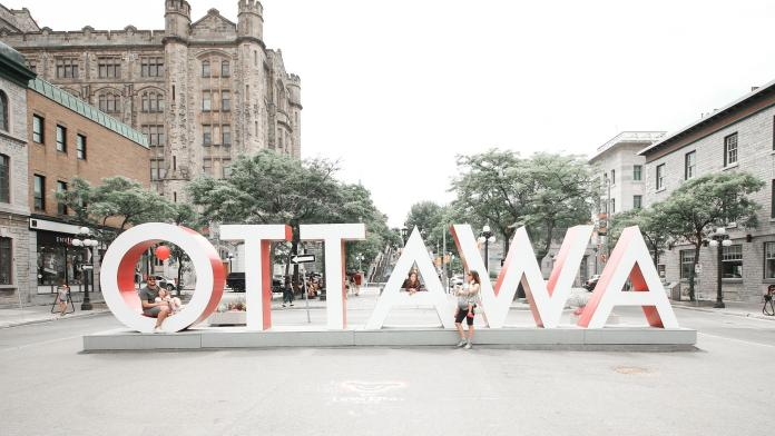 Living in Ottawa Pros and Cons