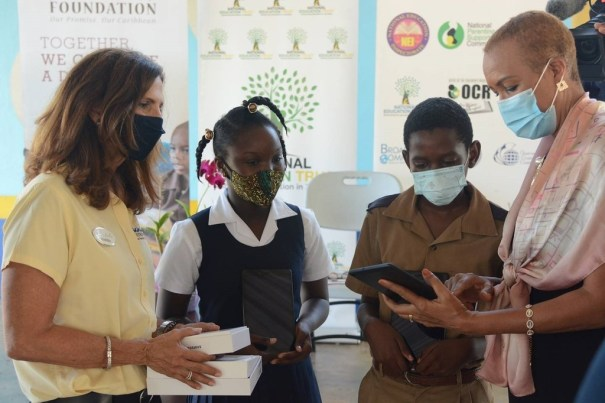 1,400 Jamaican students will be able to get online for classes & take advantage of distance learning following the donation of tablets from Sandals Foundation