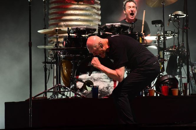 Rob Hirst, drummer of MIDNIGHT OIL, Converses with Mark Dean of Madness To Creation on Performing in South Africa After End of Apartheid and New Plans in the Works After European Tour!