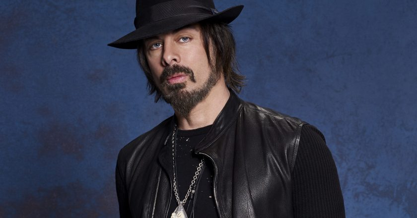 """RICHIE KOTZEN Converses with Mark of Madness To Creation on """"50 For 50"""" and His Musical Legacy!"""