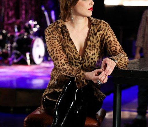 """AXS TV Announces LZZY HALE(HALESTORM) to Host Season Three of """"A Year In Music"""", Premiering Sunday, October 4th on AXS TV"""