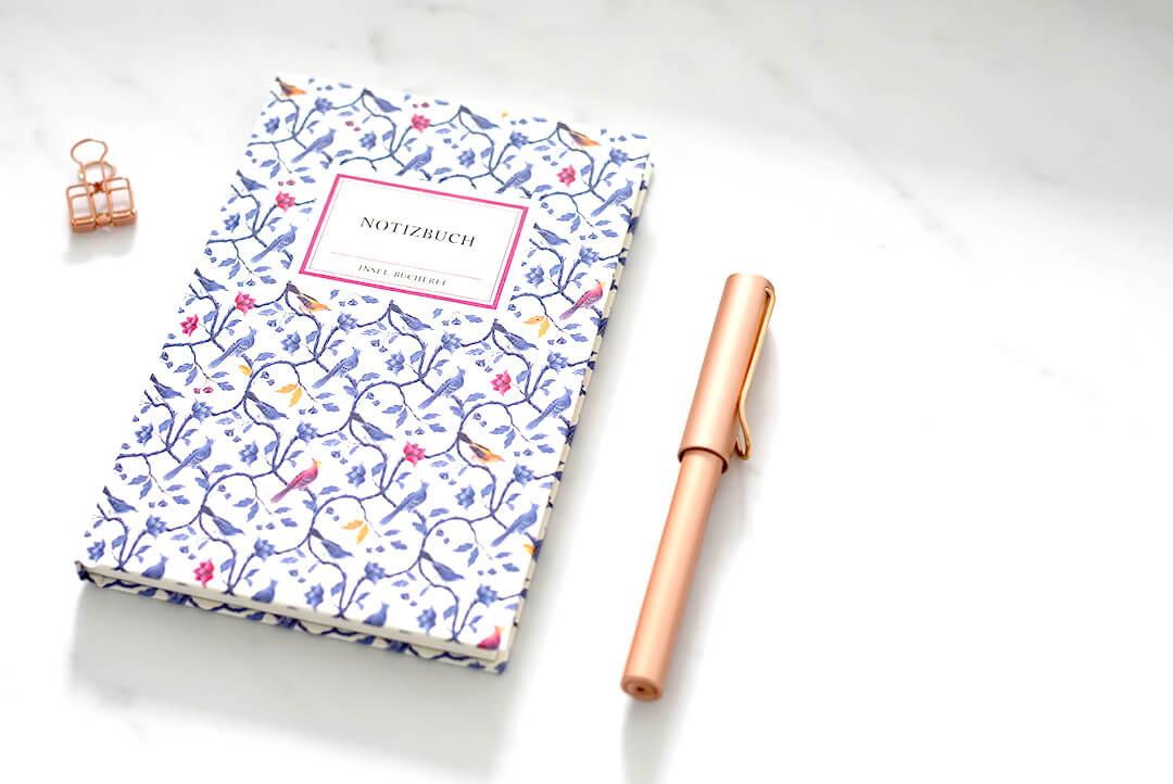 notizbuch-skizzenbuch-zeichenbuch-floral-blumen-rot-blanko-gebunden-hardcover-suhrkamp-insel-lamy-rose-rotgold