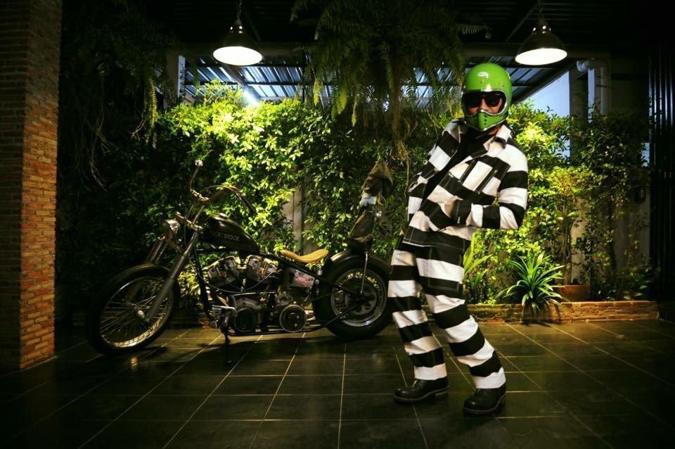 biker vêtement- harley davison blouson pantalon-prison jacket