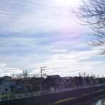 雲形UFOとピンクの光が撮れました
