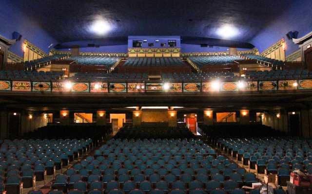 widetheater3