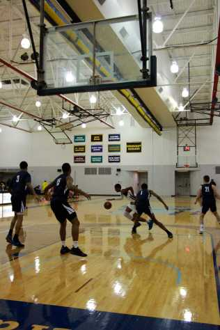 Men_Basketball-020619-15