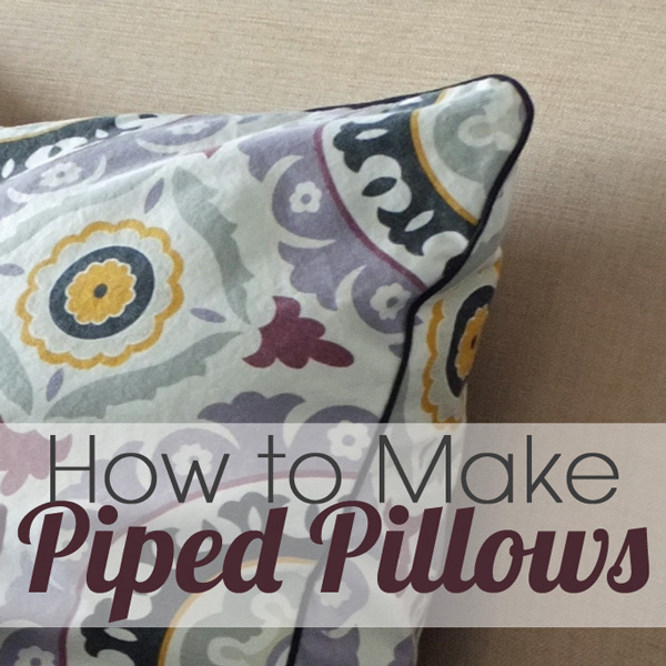 how to make pretty piped pillows