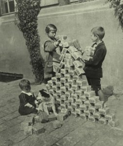 Hyperinflation in Germany, 1923