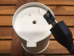 2.LEDと同じサイズの穴を開ける