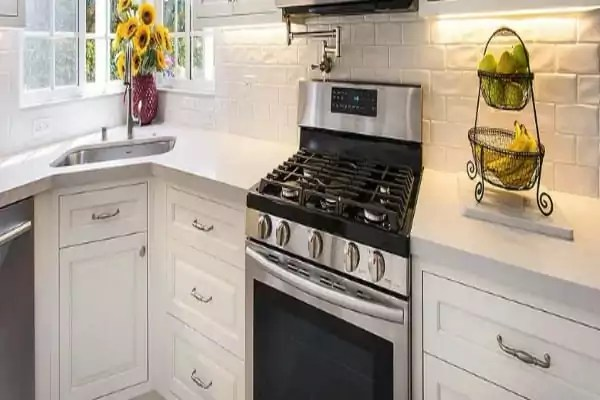 Keukenkastjes Reinigen Zonder Strepen Zo Gaat Het Lukken