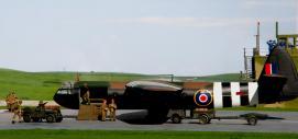 horsa-glider-with-british-paratroops_008