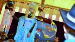 Kindernachmittag der Seegusler in ihrem Jubiläumsjahr 40 - Miss Magic Bubbles verzaubert mit ihren Seifenblasen