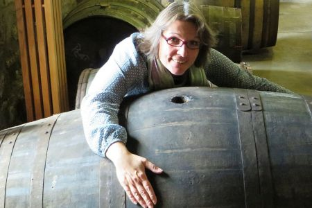 Unsere Reiseleiterin Nadine Tachmann leitet vor allem unsere Whiskyreisen durch Schottland.