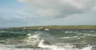 Scapa Bay ist eine idyllische Bucht im Westen von Orkney Mainland und Teil der Autorundreise.