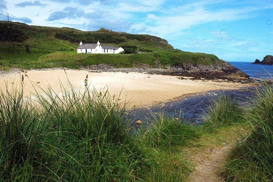Natur und Straende bilden die Kulisse einer jeden individuellen Familienreise durch Schottland.